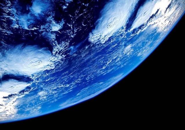 「ねえ、宇宙に行ってみない?」夢の宇宙旅行の魅力とは!?