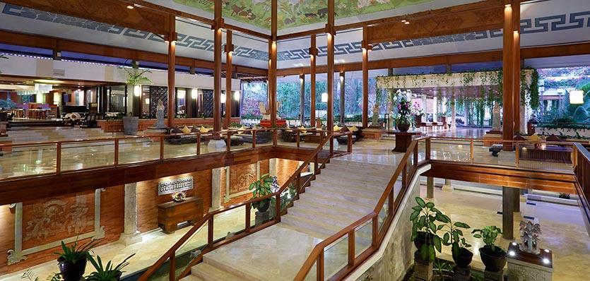 http://media.melia.com/img/hoteles/5701/07meliabali-lobby.jpg?1435913080424