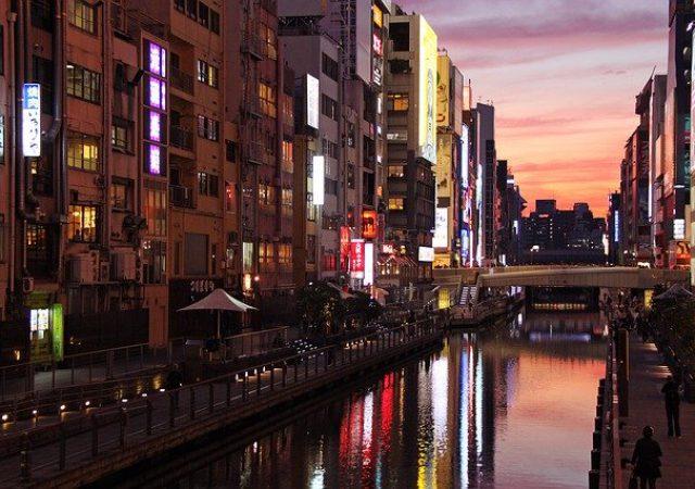 ショッピングや食べ歩き!大阪・心斎橋のおすすめ観光スポット