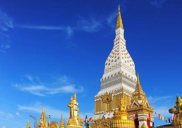 首都バンコクから日帰りで行ける!ナコンパトムでおすすめの観光スポット3選!